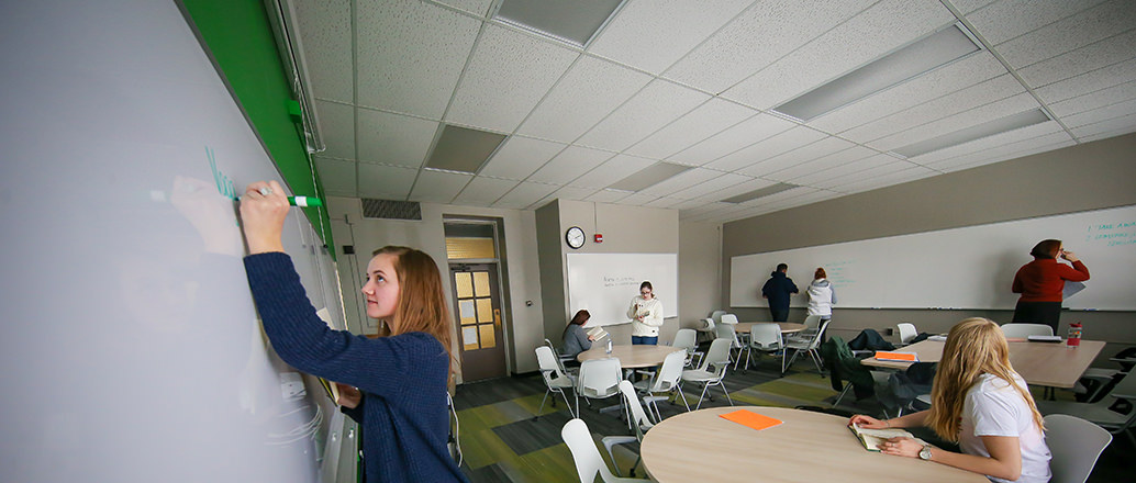 UND students in classroom