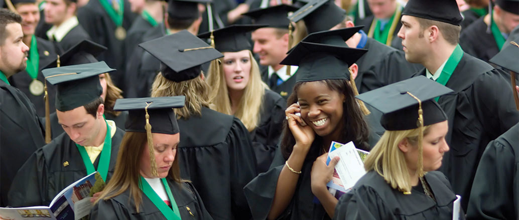 Students graduating from UND